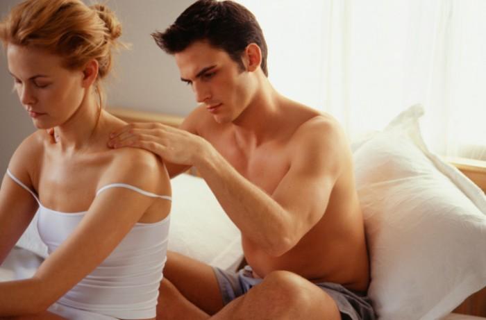koppel geeft elkaar een massage
