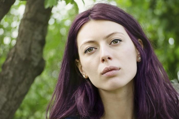 meisje met paars haar